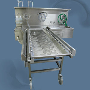 ventilated embalming workstation / on casters