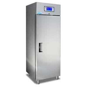 Laboratory refrigerator temperature range