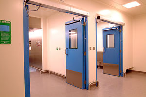swing door / for clean rooms / automatic / polyester-coated