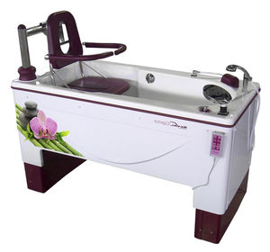 electric medical bathtub / with lift seat / height-adjustable / Snoezelen