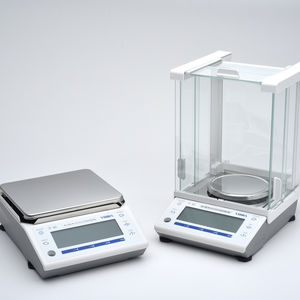 electronic laboratory balances / precision / with LCD display / compact