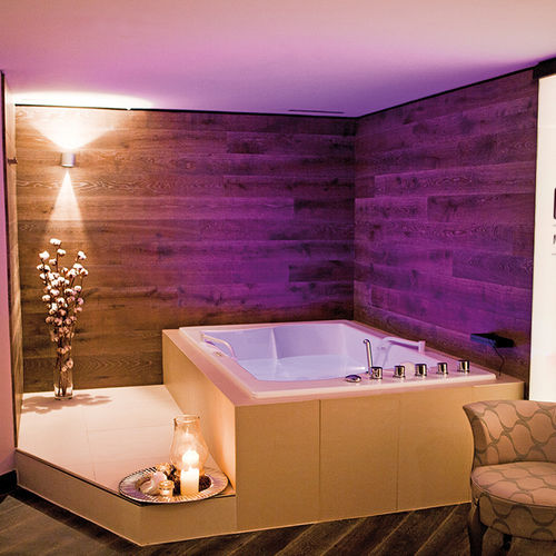 hydromassage bathtub with chromotherapy lamps - Trautwein
