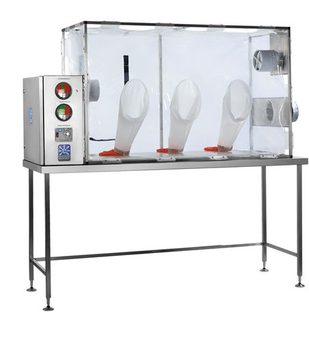 class III isolator / for the pharmaceutical industry / containment / dispensing
