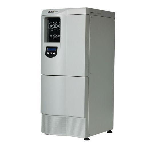 UHP nitrogen generator