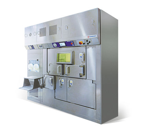 laminar flow isolator / class III / filling / dispensing