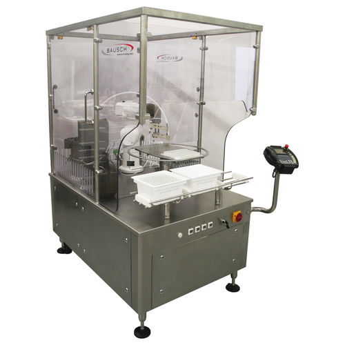 filling and closing machine for the pharmaceutical industry