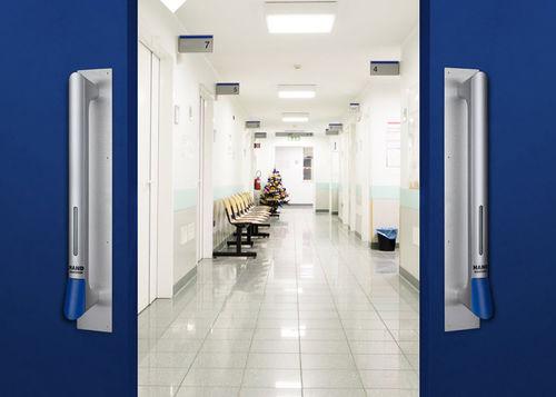 hospital door handle / sanitizing