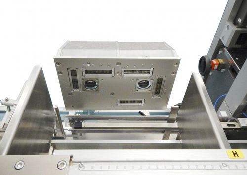 fully-automatic packaging machine / for the pharmaceutical industry / case / box