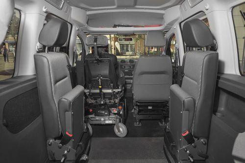 minivan wheelchair accessible vehicle / gas / diesel / rear-entry