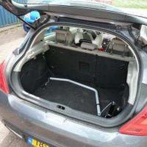 car wheelchair hoist / electric / retractable / pole-mounted