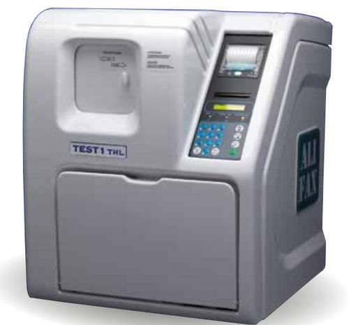 automatic ESR analyzer / human