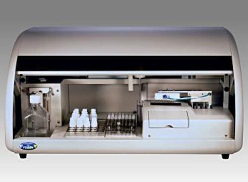 automatic immunoassay analyzer / bench-top / chemiluminescence / ELISA