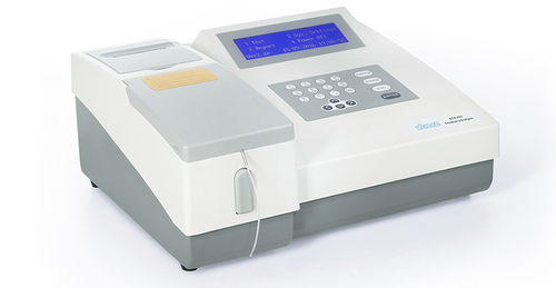 semi-automatic biochemistry analyzer / for clinical diagnostic / benchtop / with immunoturbidimetric analysis