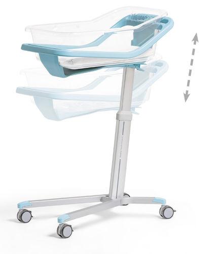 height-adjustable hospital bassinet / on casters / transparent