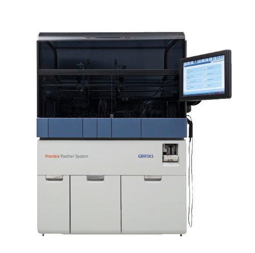 nucleic acid analyzer with touchscreen