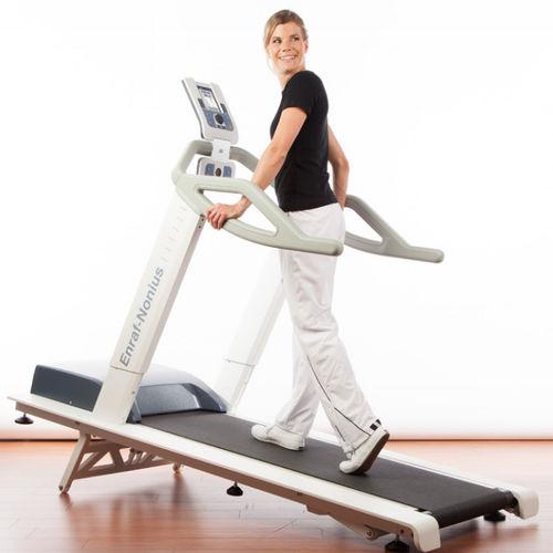 treadmill ergometer with handrails