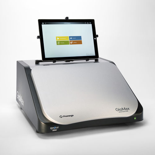 microplate luminometer / for research