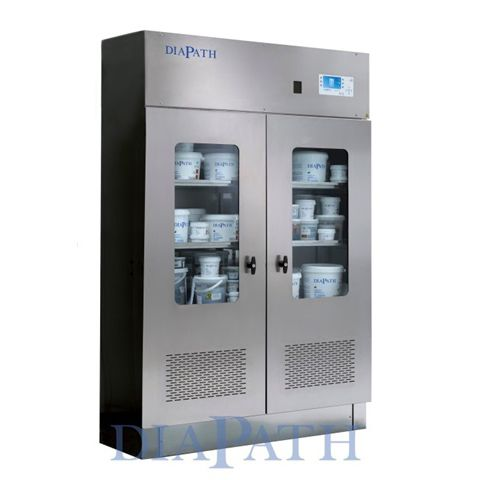 chemical product cabinet / laboratory / with shelf / with swing doors