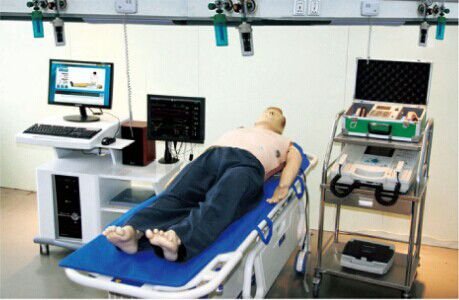 emergency care patient simulator / auscultation / CPR / whole body