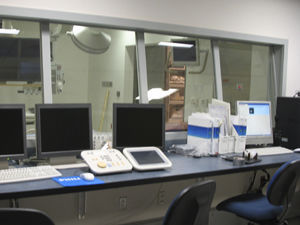 viewing window / hospital / radiation protection / lead glass