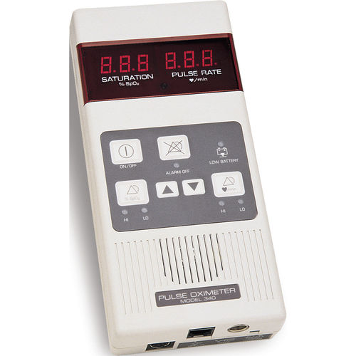 hand-held pulse oximeter / with separate sensor