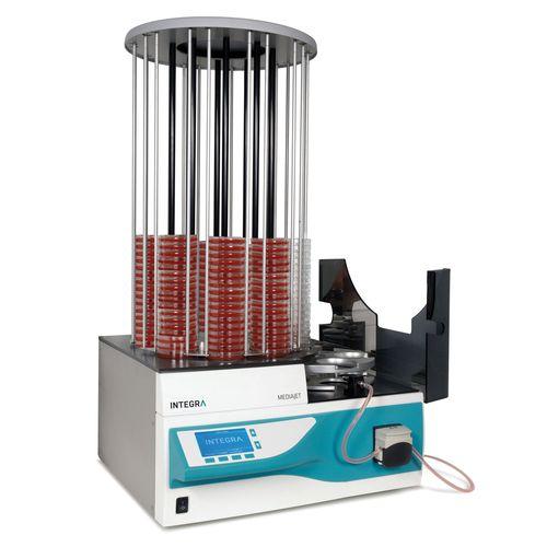 laboratory media dispenser