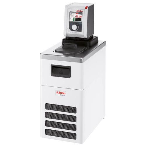 laboratory thermostat / floor-standing / digital / heating