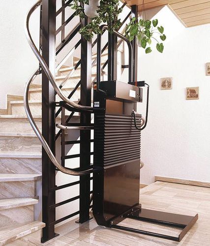 wheelchair lifting platform / staircase-mounted