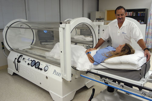 oxygen therapy hyperbaric chamber / monoplace