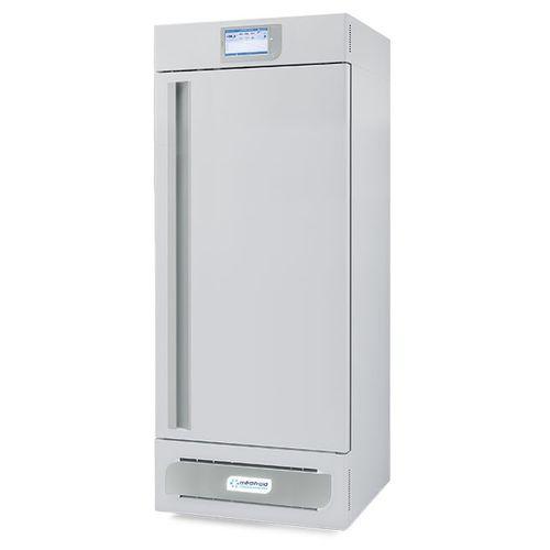 laboratory freezer / vertical