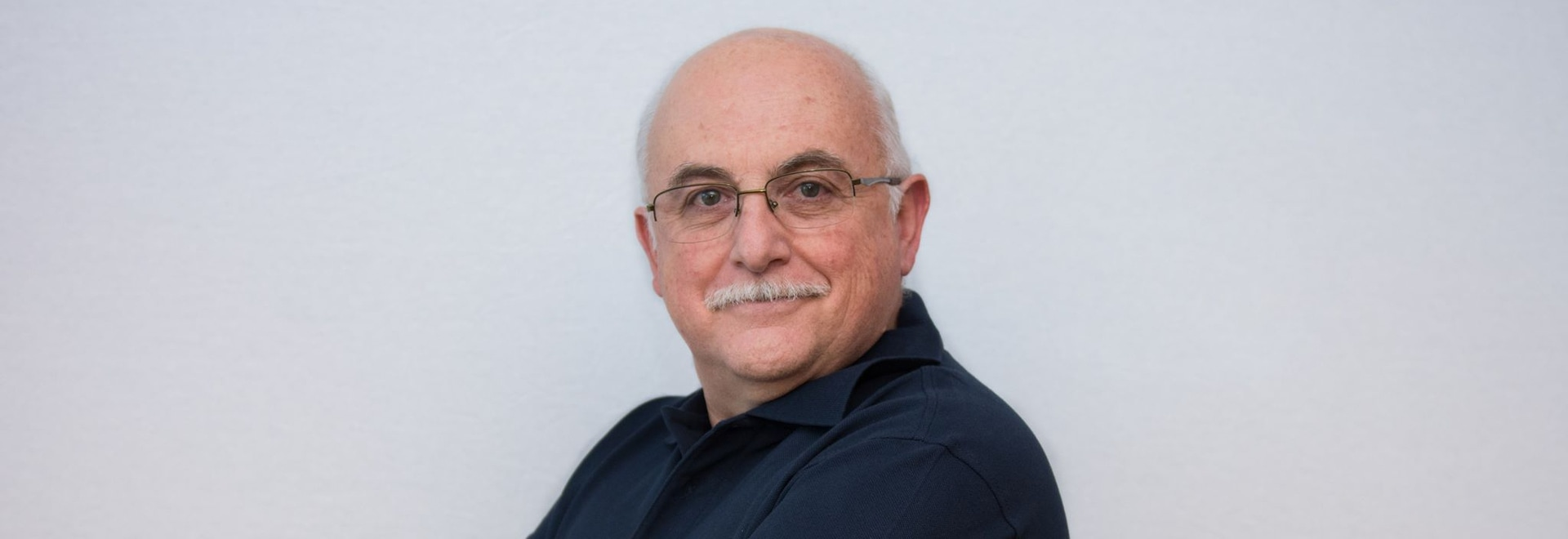 In a free webinar on Tuesday, 19 May, Dr Francisco Molina will talk about how to prevent side effects on the gingivae during orthodontic treatment.