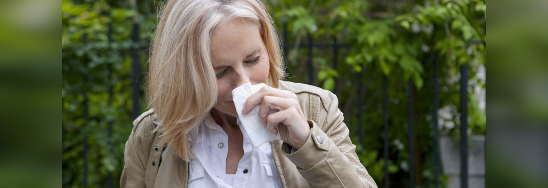 New research identifies an association between generalized anxiety and the presence of seasonal allergies.