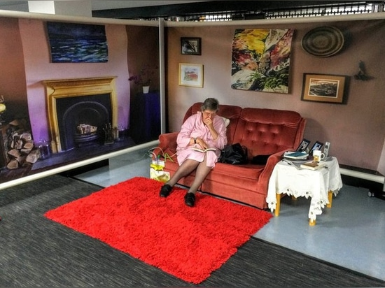 KwickScreens creating a realistic lounge backdrop