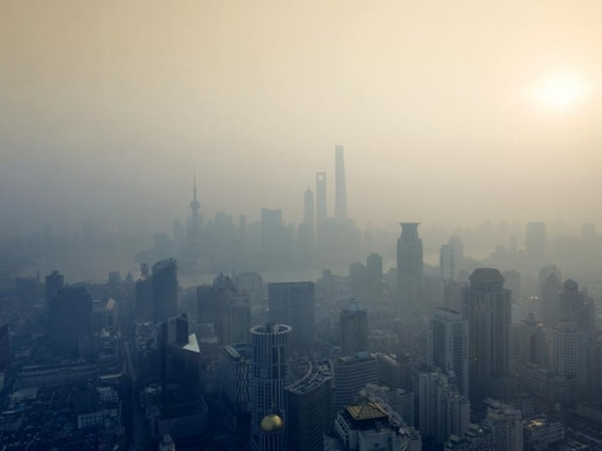 New findings indicate that smog, which largely consists of ambient ozone, may lead to atherosclerosis, a cardiovascular condition.
