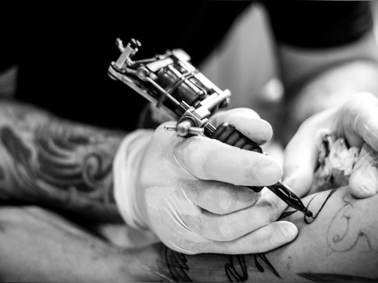 Robots could remove tattoos.