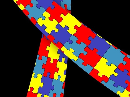 Congenital heart disease associated with autism spectrum disorder diagnosis