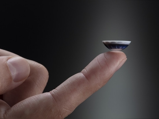 US-based Mojo Vision has teamed up with Japanese manufacturer Menicon Co to develop smart contact lenses with built-in AR displays.