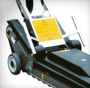 移動式アームチェア用階段昇降機