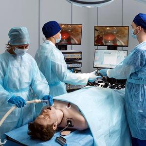 手術用シミュレーター