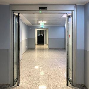 折たたみ式ドア