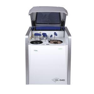 自動生化学分析装置