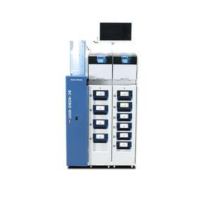 製薬産業用ラベル貼付機