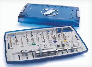 歯科インプラント器具キット / カスタマイズ可能な