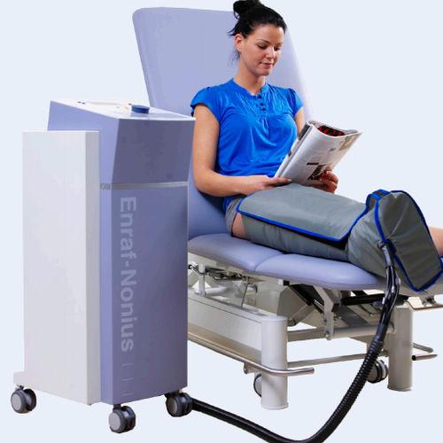 脚圧力療法装置 / 腕圧力療法装置 / 台車上