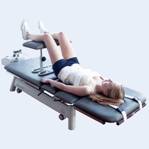 腰と首牽引台
