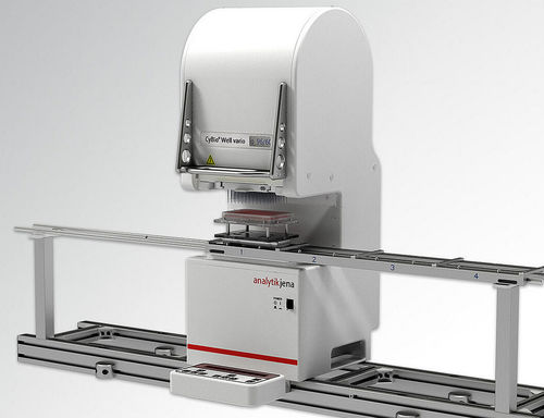 研究所用ピペッター ロボット