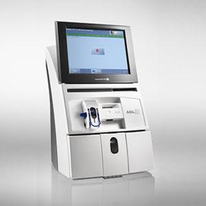analisador de gases sanguíneos com tela sensível ao toque