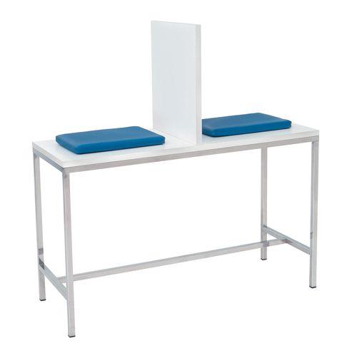 mesa para coleta de sangue