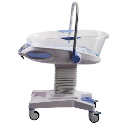 carrinho de banho com altura regulável